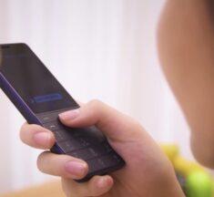 Xiaomi lanza un extraño móvil para controlar otros dispositivos